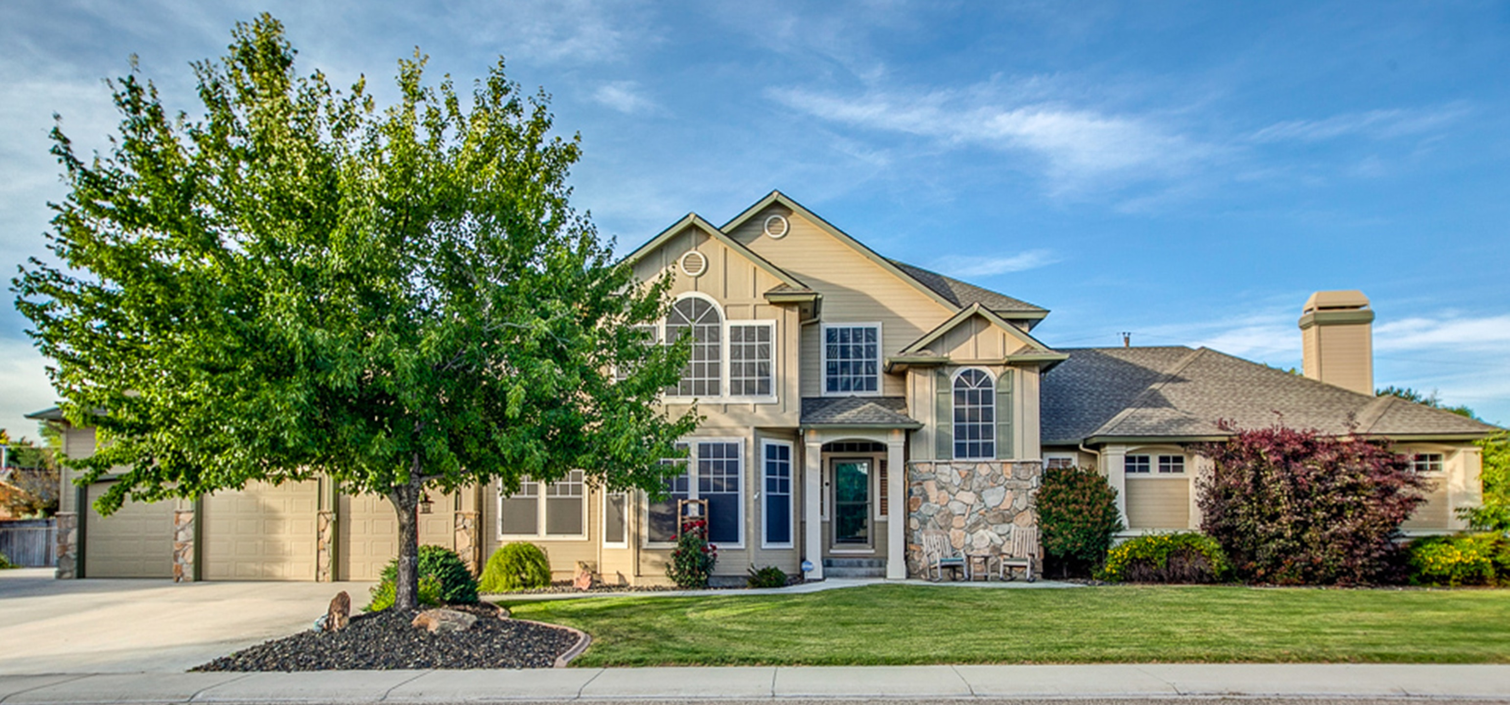 Exquisite House In Boise On Almost 1/2 Acre!